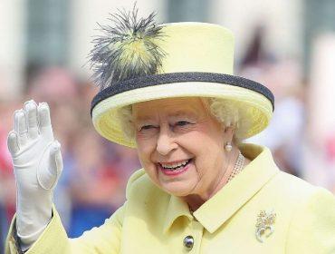 Extra! Site americano afirma que rainha Elizabeth II pretende se aposentar daqui a 18 meses