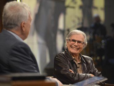 """Aos 84 anos e 60 de carreira, Tarcísio Meira manda um sincerão: """"Beijo é beijo, não tem como ser técnico"""""""