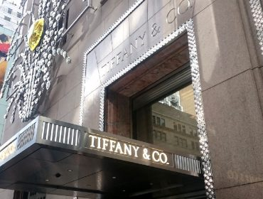 Extra! Gigante francês LVMH compra a rede de joalherias americana Tiffany's por quase R$ 70 bi