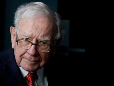Quarto homem mais rico do mundo, Warren Buffett enfrenta um problema: ter dinheiro demais