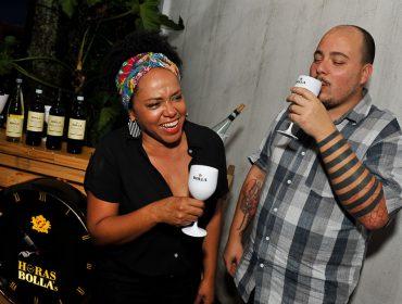 Larissa Januário recebe amigos para mais uma edição do Horas Bolla's