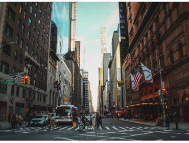 """Endereço residencial mais caro do mundo fica em NY e tem apês """"a partir"""" de R$ 101,9 milhões"""