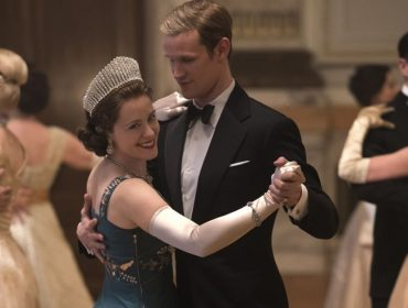 """Tudo indica que Claire Foy e Matt Smith, protagonistas de """"The Crown"""", estão vivendo um romance"""
