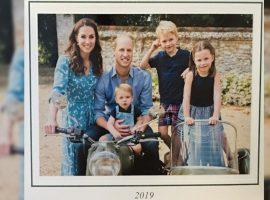 Look usado por Kate Middleton para foto do cartão de Natal da família estava em liquidação e esgotou em menos de 24h