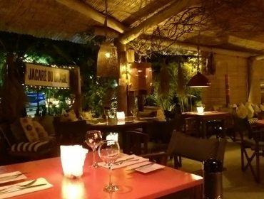 Bar anexo ao restaurante Jacaré do Brasil promete ser o hotspot dessa temporada em Trancoso