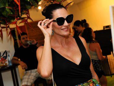 Casa Glamurama lotada na noite de domingo com set de Marcelo Botelho