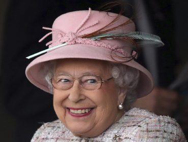 Rainha Elizabeth II já ganhou seu presente de Natal: uma herança de R$ 273 milhões