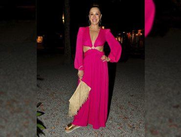 Claudia Raia escolhe look bafônico e fresco para curtir a noite de Trancoso