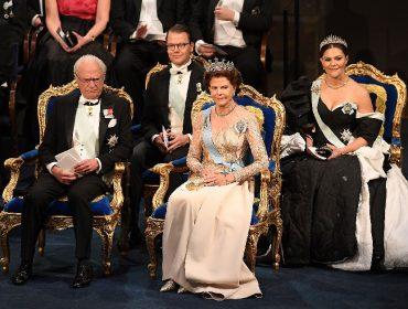 Família real da Suécia vive sua noite de Windsors em gala que homenageou os vencedores do Nobel