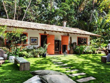 Restaurante Floresta ganha toque veggie nessa temporada em Trancoso com cardápio de Patrícia Helú