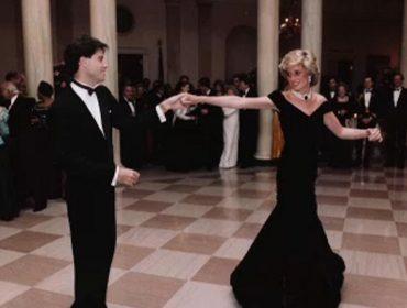 Vestido que Lady Di usou para dançar com John Travolta é vendido por R$ 1 milhão. Saiba mais!