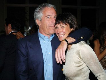 A socialite que sabia demais: namorada de Jeffrey Epstein corre risco de vida e é protegida por amigos poderosos