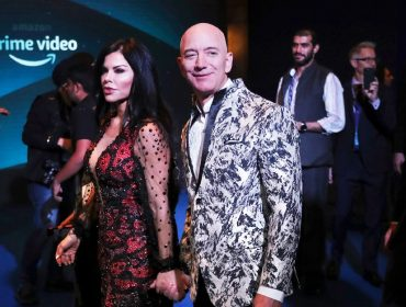 Lauren Sanchez e Jeff Bezos escolhem Mumbai, na Índia, para primeira aparição pública como casal
