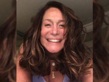 """Suzana Vieira adere ao time de famosas que tem coragem de aparecer de """"cara limpa"""" nas redes sociais. Quem mais?"""