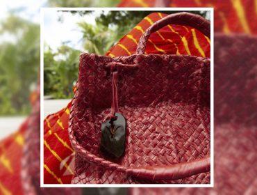 Desejo do Dia: a bolsa trançada de Paula Ferber que marca o estilo chiqueria do verão