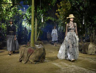 Compromisso com o ambiente! Dior se une ao Museu do Louvre para preservação de famoso spot de Paris