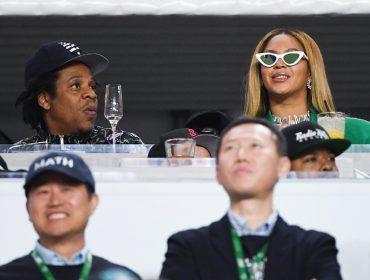 """Jay-Z explica 'faux pas' no Super Bowl: """"Estava preocupado com outra coisa"""""""