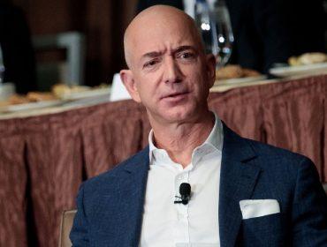 Jeff Bezos viu sua fortuna encolher mais de R$ 21 bilhões só nessa segunda. Semana de cão nos mercados?