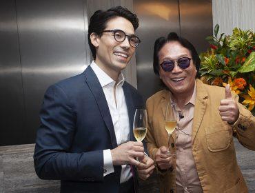 Renato e Eduardo Tomioka recebem convidados na inauguração da Clínica Tomioka