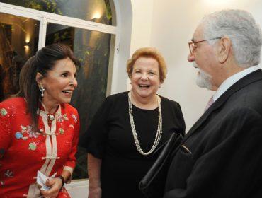 Betty Feffer e amigos da UHJ armaram jantar em homenagem ao prof. Celso Lafer