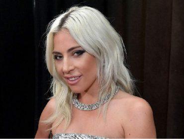 Coletiva sobre Covid-19 realizada em cidade italiana é interrompida por novo hit de Lady Gaga