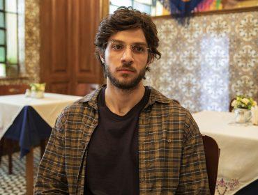 Chay Suede rouba a cena e emociona o público de 'Amor de Mãe' ao interpretar a crise existencial de Danilo