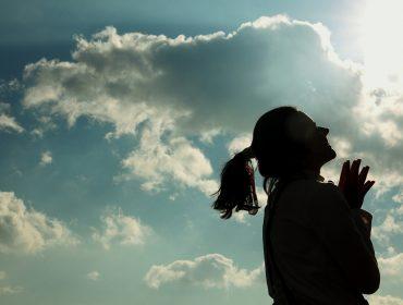 No Dia da Oração, famosos contam quais são as preces que os acompanham na vida