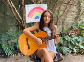 Aos 12 anos, atriz Valentina Oliveira se mobiliza para ajudar moradores de Paraisópolis