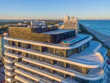 """Cobertura de edifício cobiçado de Miami é colocada à venda por preço de ocasião: """"só"""" R$ 194,9 mi!"""