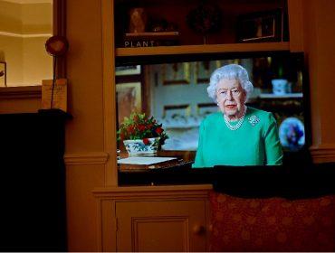 Elizabeth II fará novo pronunciamento pela TV para falar sobre o aniversário de 75 anos da rendição nazista