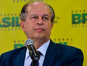 """Para Renato Janine Ribeiro, ex-ministro da Educação, sociedade perdeu a bússola: """"A falta de ética está carimbada na extrema direita"""""""