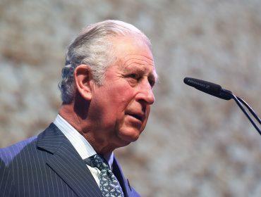 Apesar de ter recebido alta da Covid-19, Príncipe Charles vai inaugurar hospital para tratar vítimas da doença a distância