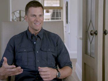 """Tom Brady fala de carreira e experiências de vida na nova campanha da IWC: """"Time Well Shared"""""""