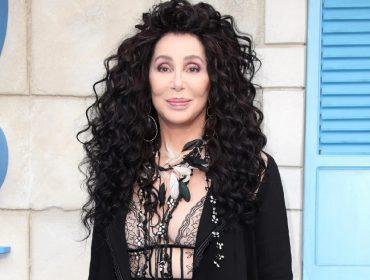 Cher completa 75 primaveras nesta quinta mais poderosa do que nunca. Confira 3 segredos de beleza da cantora!