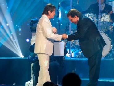 """Maestro Eduardo Lages entrega detalhes sobre a live de Roberto Carlos para Dia das Mães: """"Fico nervoso, é uma sensação muito estranha"""""""