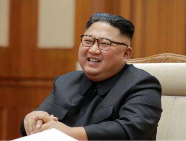 Jornal oficial da Coreia do Norte desmente que Kim Jong Un saiba se teletransportar. Oi?
