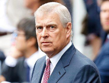 Príncipe Andrew e Sarah Ferguson são processados por suposto calote de R$ 36,6 milhões