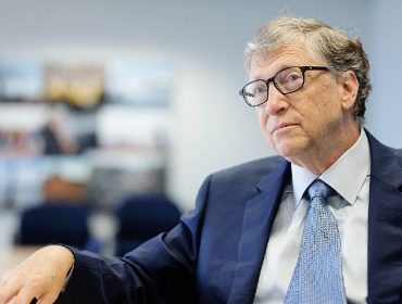 Com quase R$ 300 bi em caixa, fundação de Bill Gates vai concentrar esforços na luta contra a Covid-19