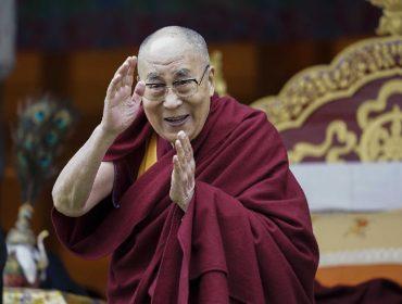Aos 85 anos, Dalai-lama vai lançar seu primeiro álbum em parceria com produtor de Justin Bieber e J-Lo