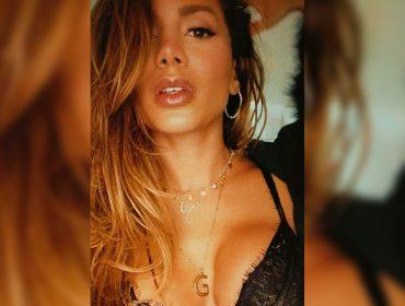 Anitta e seus colares são a nova obsessão da turma ligada na cantora. Desvendamos o simbolismo de cada um! Vem saber
