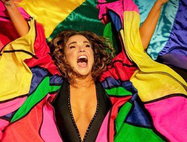 """Daniela Mercury fará a Live do Orgulho direto de sua casa em Salvador: """"É importante fortalecer nossa comunidade, a luta por igualdade e pela manutenção da democracia"""""""