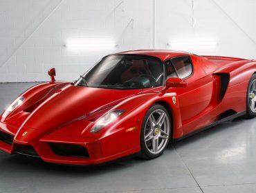Ferrari de 2003 entra para a história como o carro mais caro já leiloado na internet. O valor?