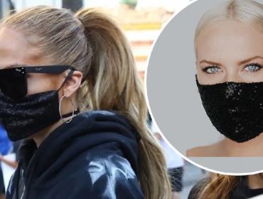 Jennifer Lopez vai a protesto com máscara coberta de lantejoulas vendida por R$ 123 nos EUA