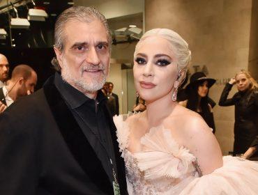 Lady Gaga presentou seu pai com uma caixa de biscoitos de R$ 21 no último Father's Day
