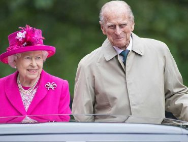 Príncipe Philip, que faz 99 anos na semana que vem, vai ganhar de 'presente' um almoço a dois com a rainha