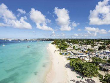 Meu escritório é na praia: Barbados vai aprovar visto especial para atrair trabalhadores remotos