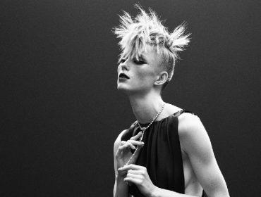 Chanel apresentou coleção com toques  'punk' em semana de alta-costura online. Já Dior fez superprodução com ares fantásticos… Play!
