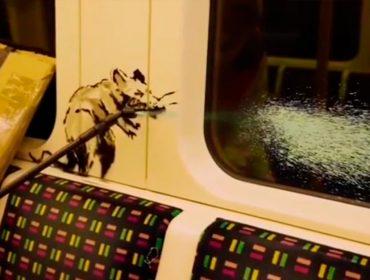 Banksy grafita o metrô de Londres e faz vídeo mostrando toda a ação, uma raridade já que nunca é flagrado
