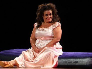 """Grace Gianoukas fala sobre estreia da peça Terça Insana no drive-in: """"Em nome do teatro vamos nos arriscar"""""""