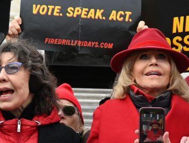 Jane Fonda e Lily Tomlin farão live especial para arrecadar fundos para a campanha de Joe Biden à presidência dos EUA